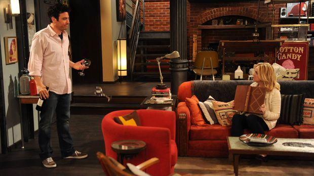 Nachdem Ted (Josh Radnor, l.) und Jeanette (Abby Elliott, r.) sich trennen, v...