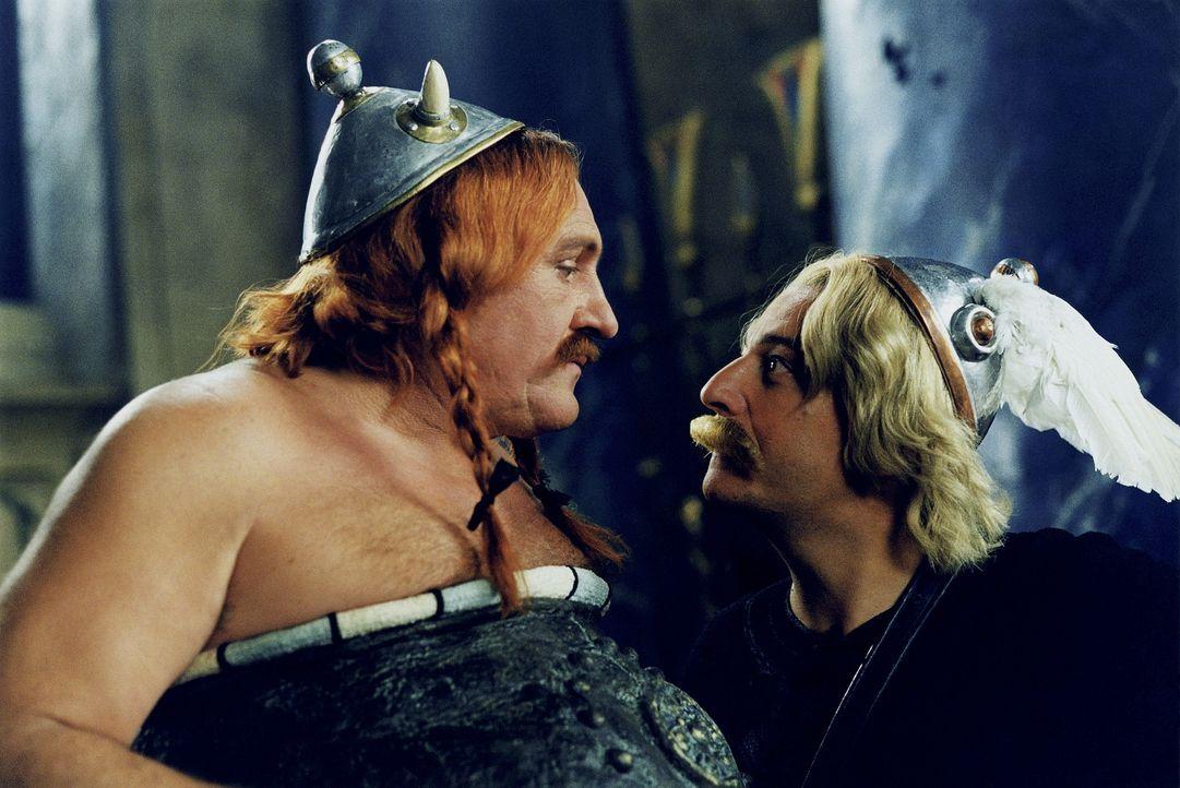 Auf Asterix? (Christian Clavier, r.) und Obelix? (Gerald Depardieu, l.) Hilfe ist Verlass ... - Bildquelle: Tobis StudioCanal