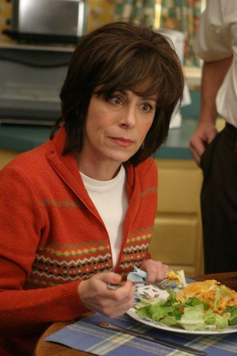 Lois (Jane Kaczmarek) bekommt für die nächsten beiden Wochen die Nachtschicht aufgebrummt. Malcolm freut sich darüber, da er während der Ferienzeit... - Bildquelle: TM &   2005 - 2006 Twentieth Century Fox Film Corporation and Regency Entertainment (USA), Inc.