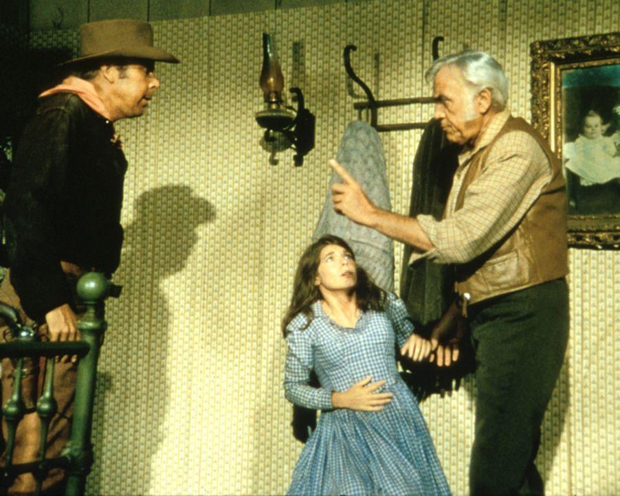 Einer der Entführer (Albert Salmi) versucht, Teresa (Sian Barbara Allen) und Ben (Lorne Greene) zu erpressen ... - Bildquelle: Paramount Pictures