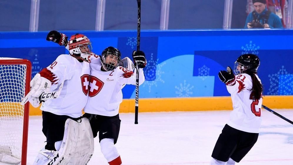 Sieg gegen Schweden - Die Schweiz gewinnt die Gruppe B - Bildquelle: AFPSIDBrendan Smialowski