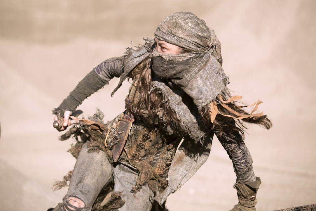 Wer ist Emori (Luisa D'Oliveira) wirklich und welche Pläne verfolgt sie? - Bildquelle: 2014 Warner Brothers