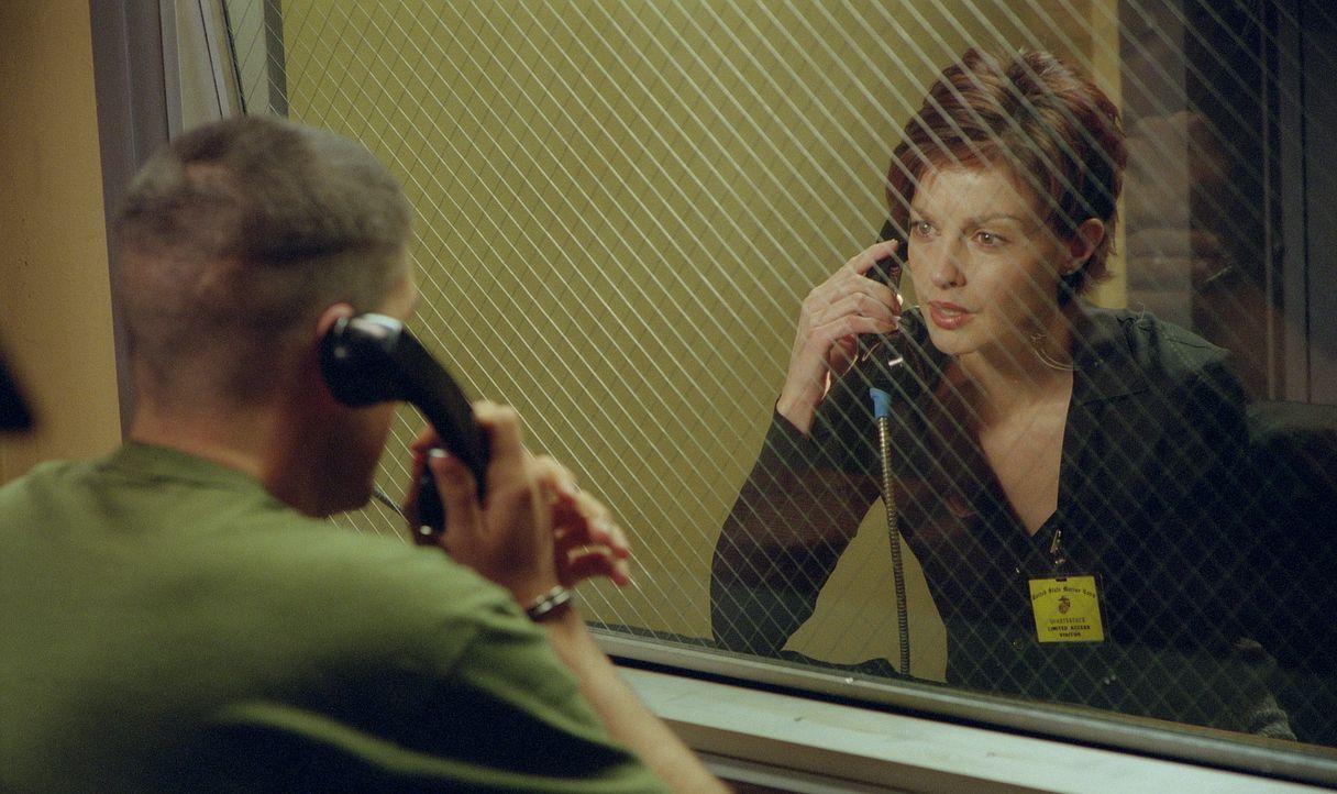 Anwältin Claire (Ashley Judd, r.), seit Jahren glücklich mit dem Ex-Marine Tom (James Caviezel, l.) verheiratet, kann nicht glauben, dass dieser wäh... - Bildquelle: 20th Century Fox Film Corporation