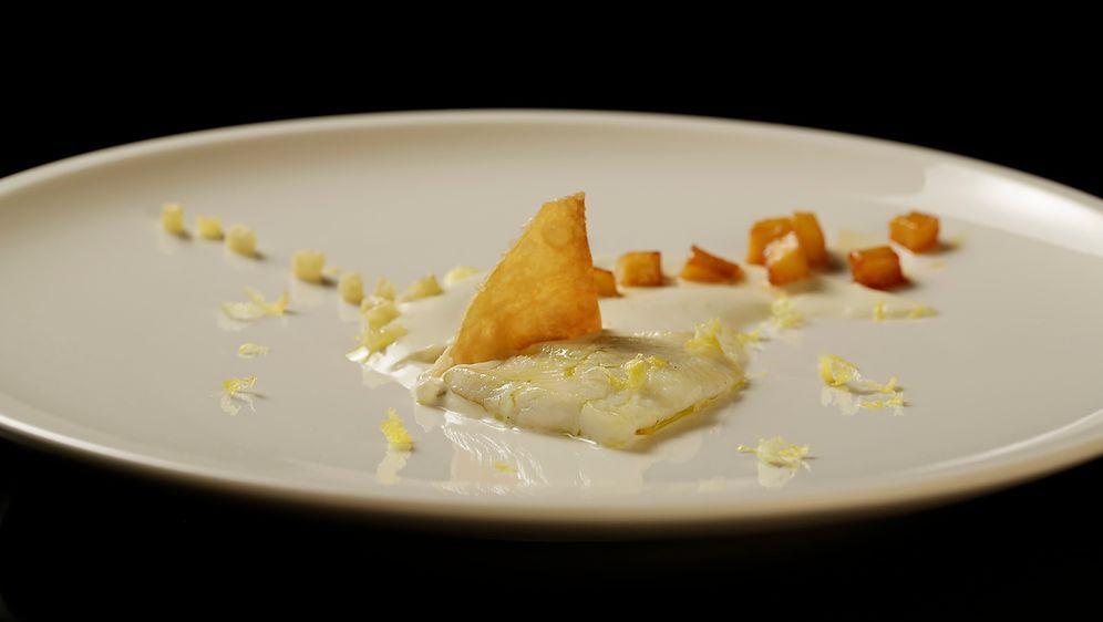 Schollenfilet auf Zitronengrascreme - Bildquelle: SAT.1