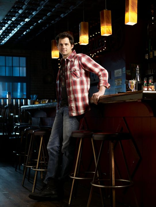 (1. Staffel) - Nate Bazile (Kristoffer Polaha) ist Besitzer einer Bar und er genießt sein Leben in vollen Zügen. Wird er wirklich ein verantwortungs... - Bildquelle: The CW   2009 The CW Network, LLC. All Rights Reserved