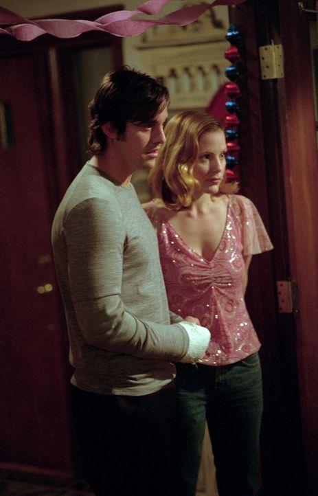 Xander (Nicholas Brendon, l.) und Anya (Emma Caulfield, r.) sind immer noch glücklich miteinander. - Bildquelle: TM +   2000 Twentieth Century Fox Film Corporation. All Rights Reserved.
