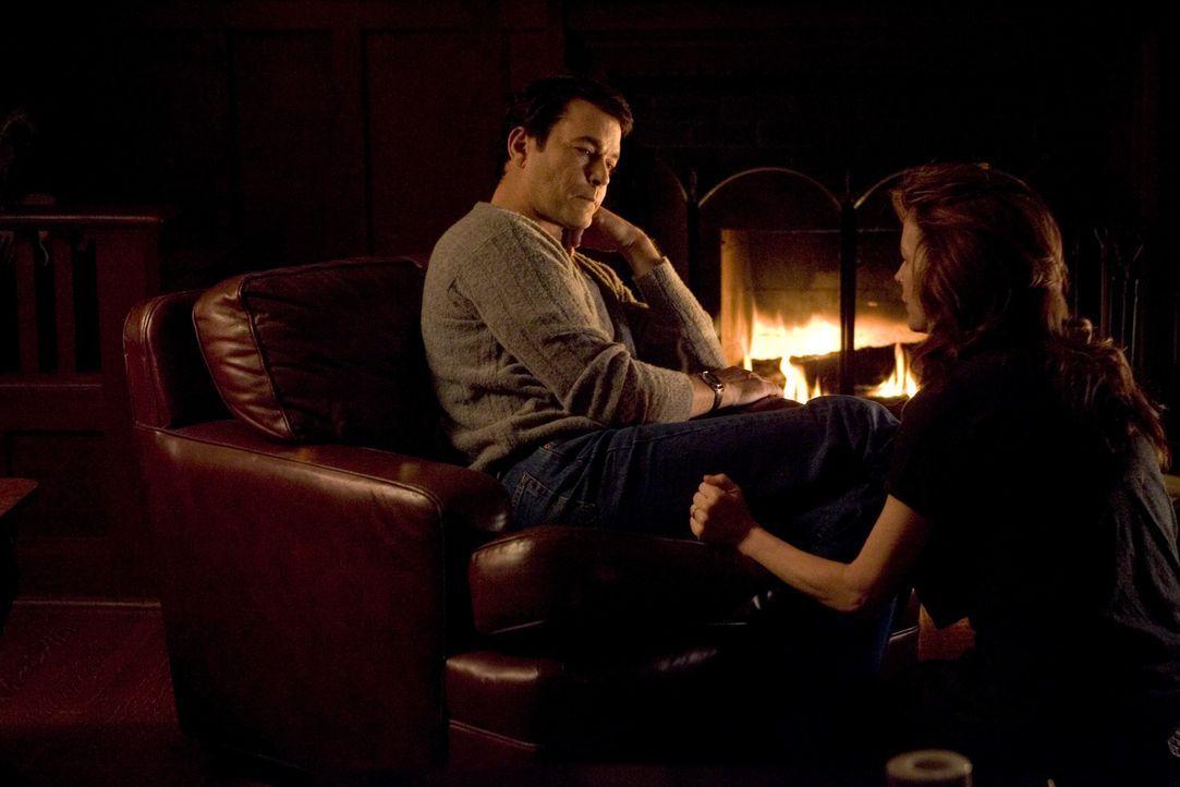 Stecken tief in einem Sumpf aus Lügen und Geheimnissen: das Ehepaar Tom (Ray Liotta, l.) und Carol (Kim Basinger, r.) Carver ...