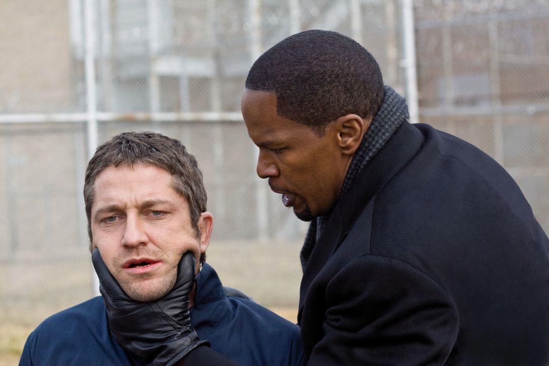 Als Staatsanwalt Nick Rice (Jamie Foxx, r.) den Mörder von Sheltons (Gerard Butler, l.) Familie mit einer geringen Strafe davonkommen lässt, nimmt... - Bildquelle: 2009   Constantin Film Verleih GmbH