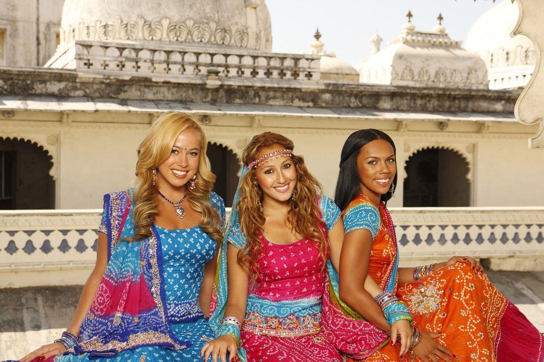 Hoffen auf den ganz großen Erfolg: die Cheetah Girls (v. l. n. r. Sabrina Bryan, Adrienne Bailon, Kiely Williams) ... - Bildquelle: Disney - ABC - ESPN Television