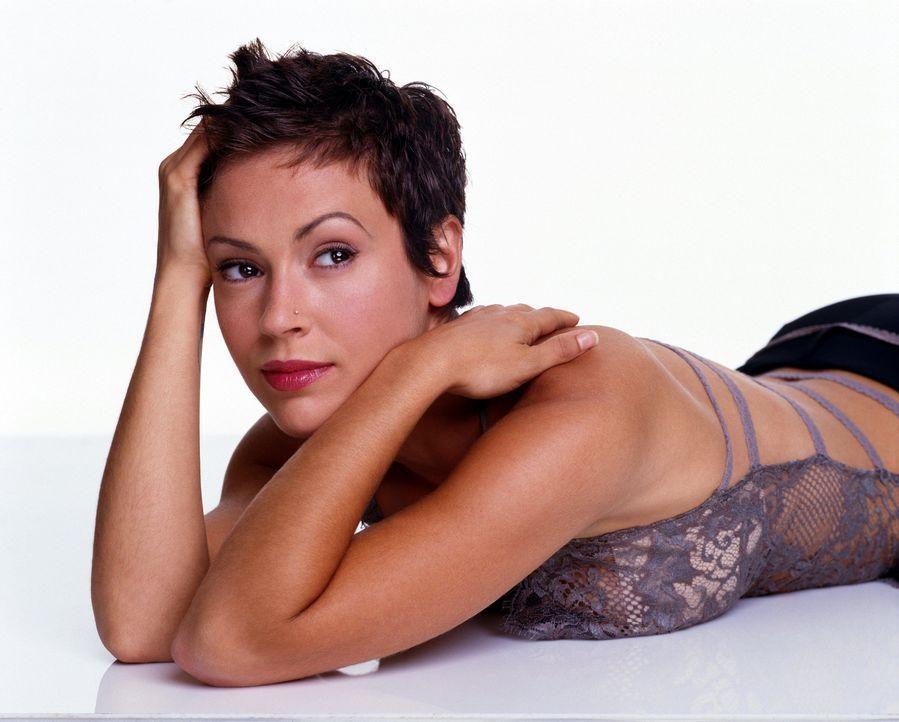 (6. Staffel) - Mit ihrer einzigartigen Fähigkeit trägt Phoebe (Alyssa Milano) zum Erfolg des Hexen-Trios bei ... - Bildquelle: Paramount Pictures