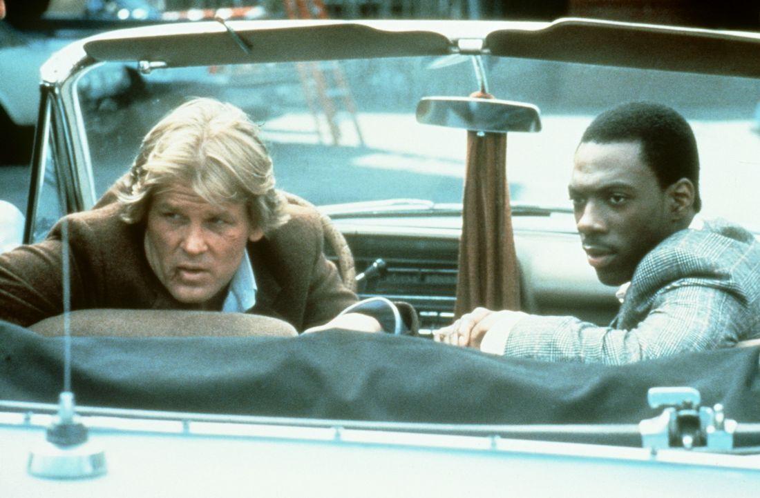 Zusammen sind der Cop Jack Cates (Nick Nolte, l.) und der Knastvogel Reggie Hammond (Eddie Murphy, r.) ein starkes Paar: Die beiden sind auf der Jag... - Bildquelle: Paramount Pictures