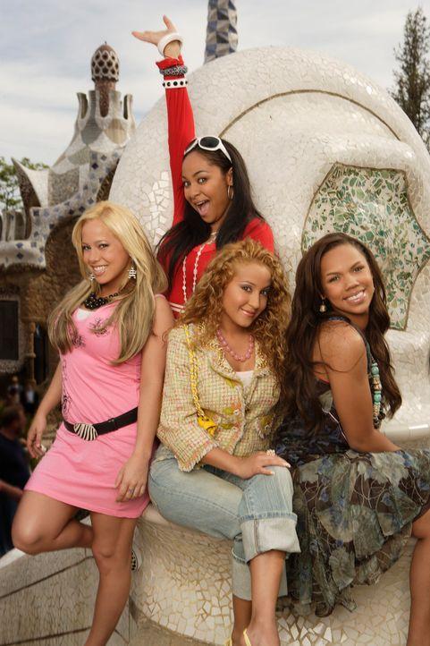 """Sie erwartet ein aufregender Urlaub in Barcelona: die """"Cheetah Girls"""" (v.l.n.r.) Dorinda (Sabrina Bryan), Chanel (Adrienne Bailon), Galleria (Raven)... - Bildquelle: Buena Vista International Television"""