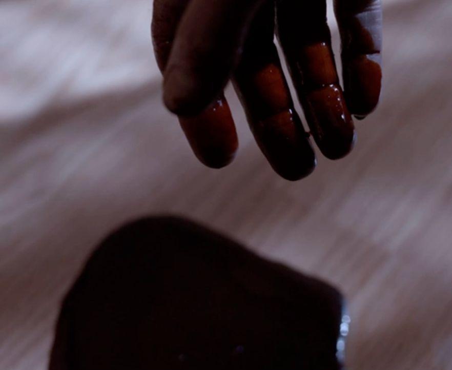 Blutiges Familiendrama oder kaltblütiger Raubüberfall: Bei seinem Raubzug durch ein Haus tötet der Mörder eine 24-jährige Frau, hinterlässt ein zwei... - Bildquelle: MMXV DISCOVERY COMMUNICATIONS, LLC.