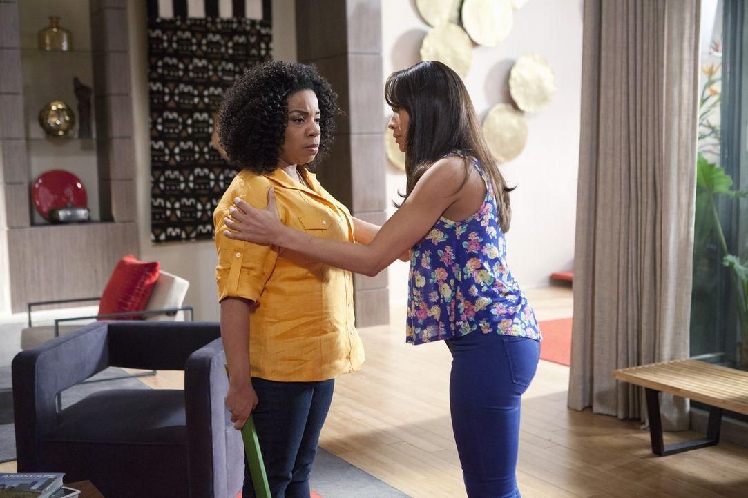 Kann Rosie (Dania Ramirez, r.) verhindern, dass Lucinda (Kimberly Hebert Gregory, l.) ihrem Vater gegenüber vollkommen die Fassung verliert? - Bildquelle: 2014 ABC Studios