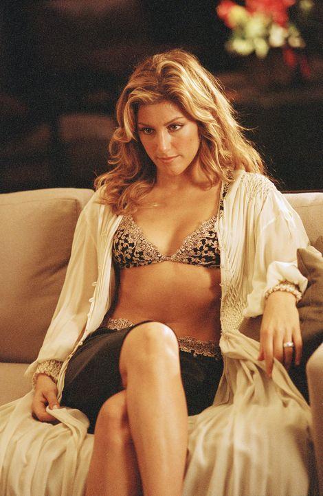 Die begehrenswerte Rita (Jennifer Esposito) ist der Grund für die Trennung von Evan und Nicky. Ein schlechtes Gewissen plagt sie nicht, ganz im Gege... - Bildquelle: 2006 Sony Pictures Television International.