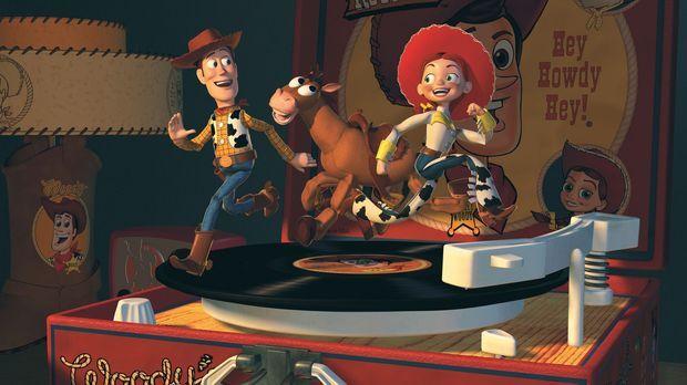 Seine neuen Freunde, das Cowgirl Jessie, l. und der Goldgräber Stinky Pete, e...