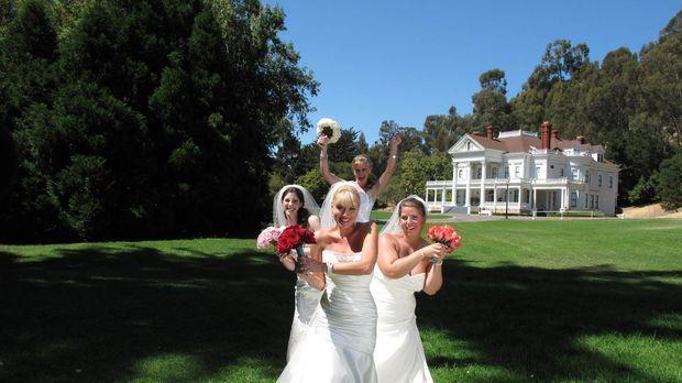 Noch verstehen sich Natalie (l.), Julie (vorne), Stacey (hinten) und Brittany...