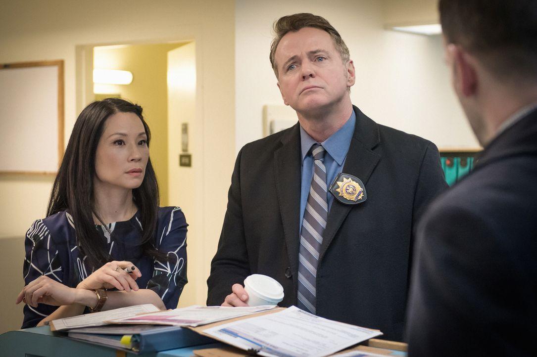 Irgend etwas ist  faul am Fall des vergifteten Taschendiebs Apollo Mercer. Dr. Watson (Lucy Liu, l.), Capt. Gregson (Aidan Quinn, M.) und Sherlock H... - Bildquelle: CBS Television