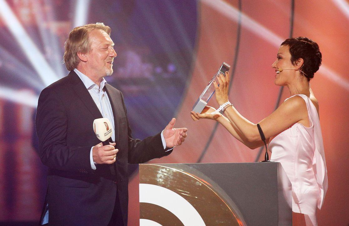 Dietmar- WIschmeyer- Miriam- Pielhau-14-09-04-Deutscher-Radiopreis-dpa - Bildquelle: dpa