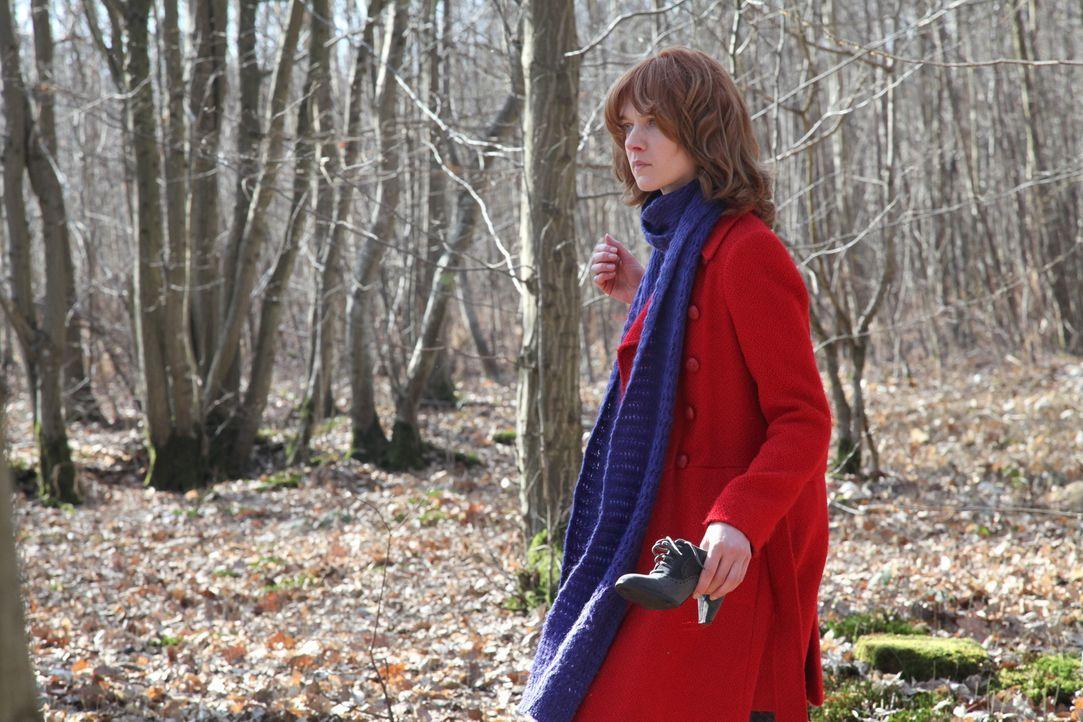 Der Mordfall einer jungen Frau beschert Chloé (Odile Vuillemin) Einblicke in das Leben einer ehemaligen Studentin und den Alltag in einer reichen Fa... - Bildquelle: Stanislas Marsil 2011 BEAUBOURG AUDIOVISUEL