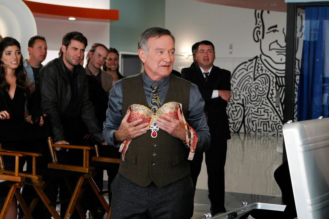 Ein neuer Auftrag wartet auf Simon (Robin Williams, M.) und sein Team ... - Bildquelle: 2013 Twentieth Century Fox Film Corporation. All rights reserved.