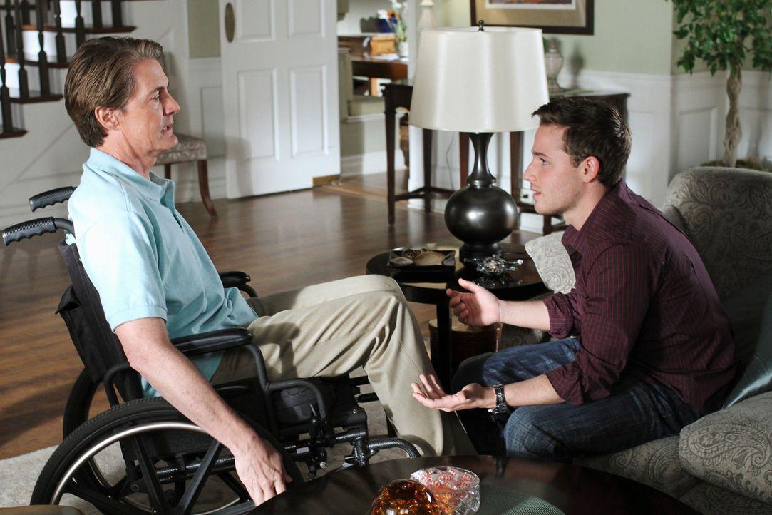 Suchen nach einem Plan, wie sie Sam loswerden können: Orson (Kyle MacLachlan, l.) und Andrew (Shawn Pyfrom, r.) ... - Bildquelle: ABC Studios