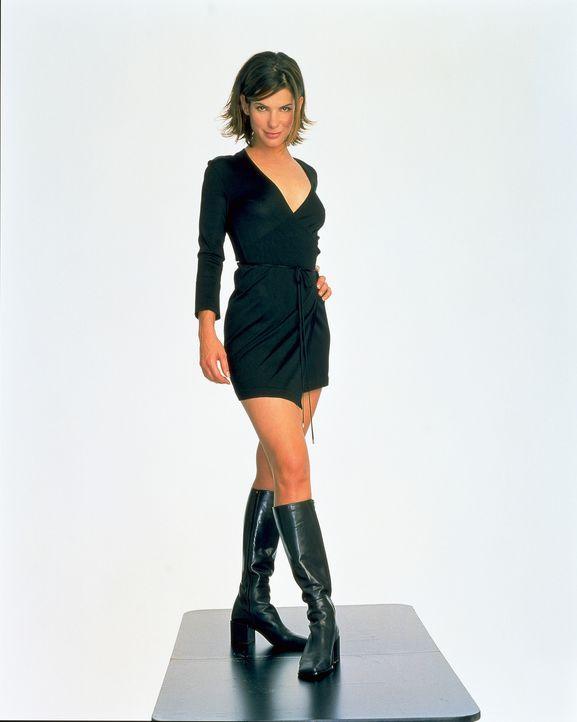 Für die erfolgreiche Journalistin Gwen Cummings (Sandra Bullock) ist das Leben eine große Party, doch dann begeht sie einen folgenschweren Fehler... - Bildquelle: 2003 Sony Pictures Television International