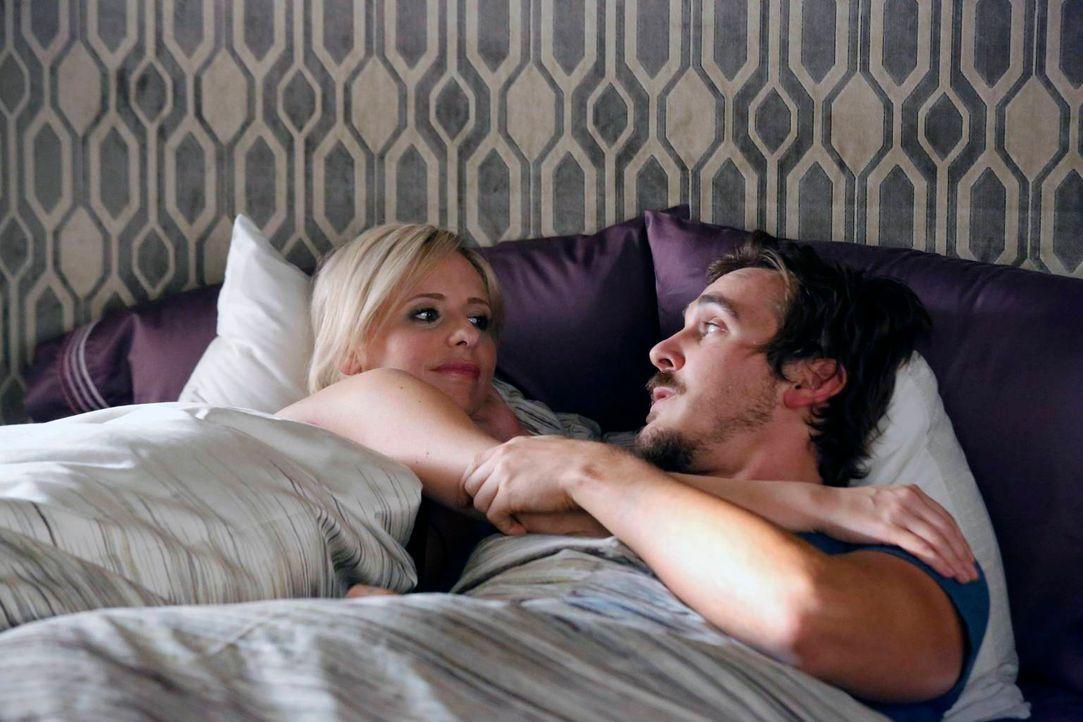 Hat ihre Beziehung eine Chance? Sydney (Sarah Michelle Gellar, l.) und Owen (Steve Talley, r.) ... - Bildquelle: 2014 Twentieth Century Fox Film Corporation. All rights reserved.