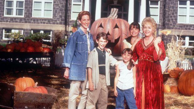 In der Familie Cromwell Piper sind alle Frauen wahre Hexen: Gwen (Judith Hoag...