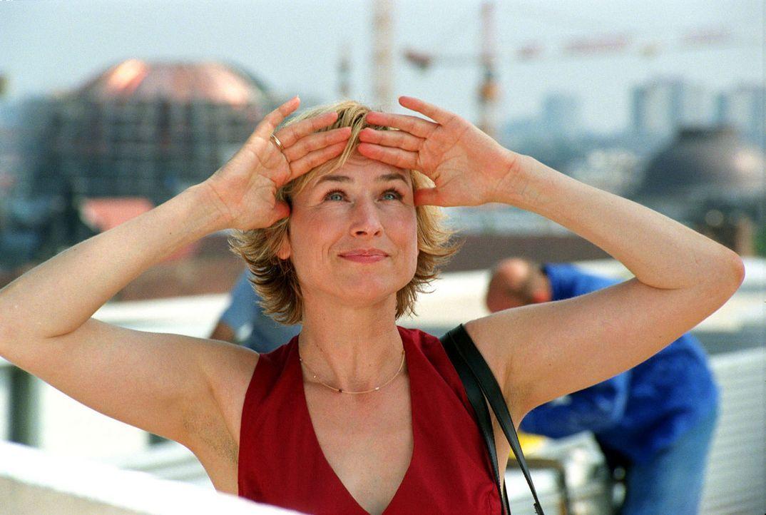 Eva Blond (Corinna Harfouch) - Bildquelle: Volker Roloff Sat.1