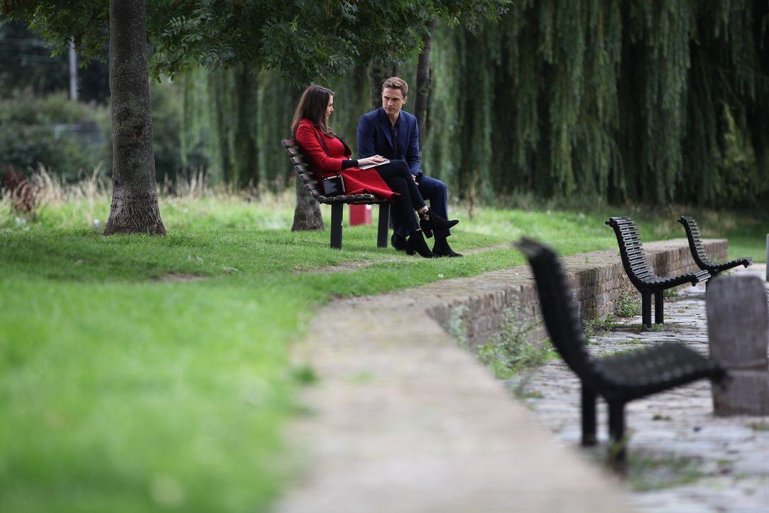 Haben sie eine Chance auf eine gemeinsame Zukunft? Wilhelmina (Genevieve Gaunt, l.) und Liam (William Moseley, r.) ... - Bildquelle: 2015 E! Entertainment Media LLC/Lions Gate Television Inc.