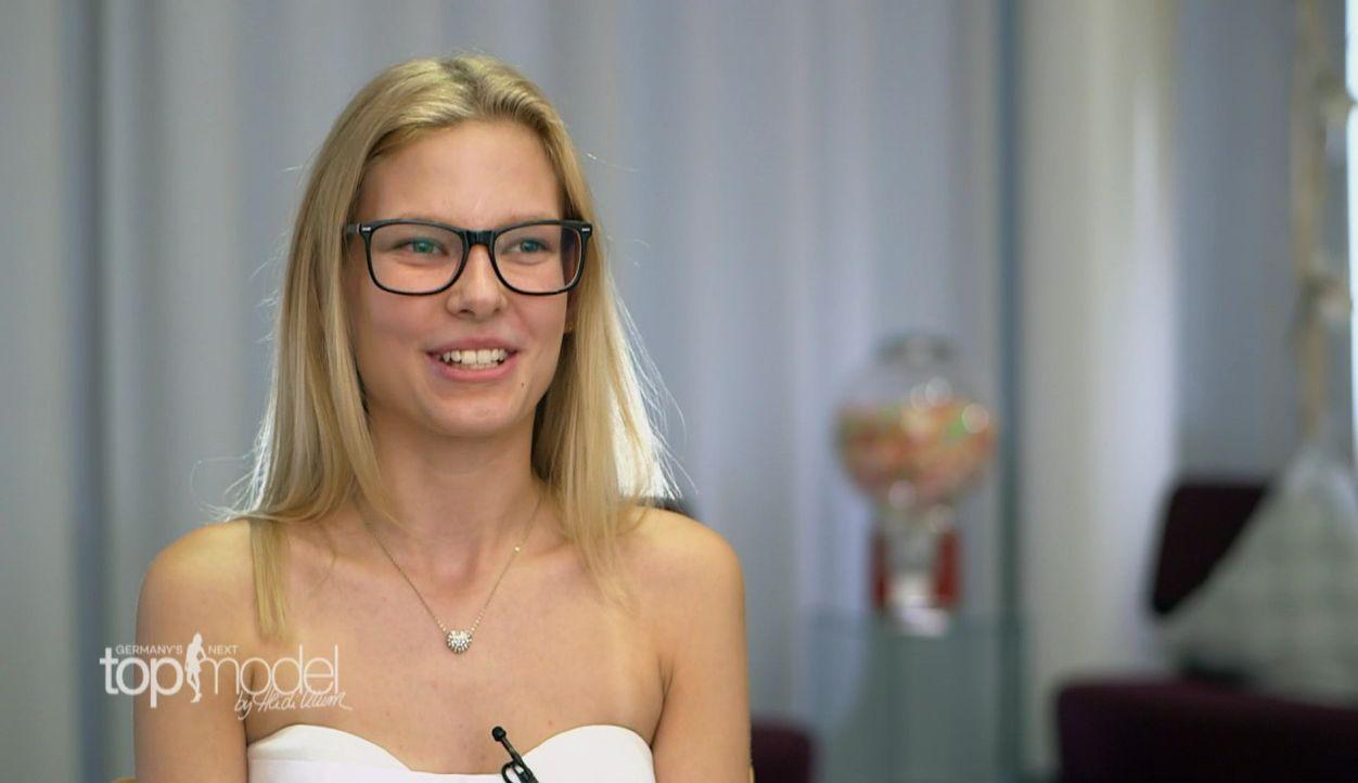 GNTM-S12-Sendung01-Casting-Koeln5 - Bildquelle: ProSieben
