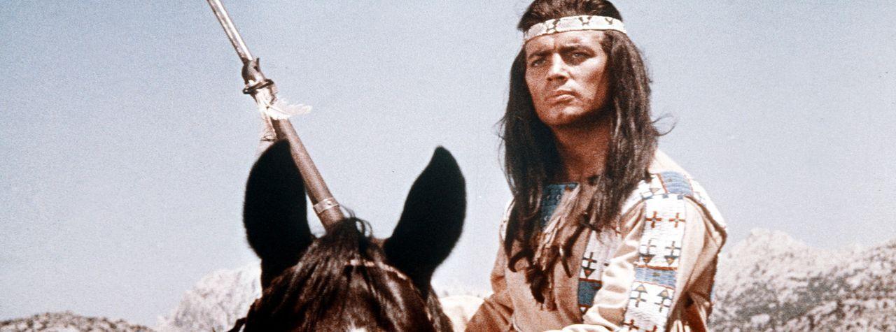Der mutige Apachenhäuptling Winnetou (Pierre Brice) kämpft für die Freiheit seines Volkes und das Land der Apachen. Aber auch er ist vor dem Tod... - Bildquelle: Columbia Pictures