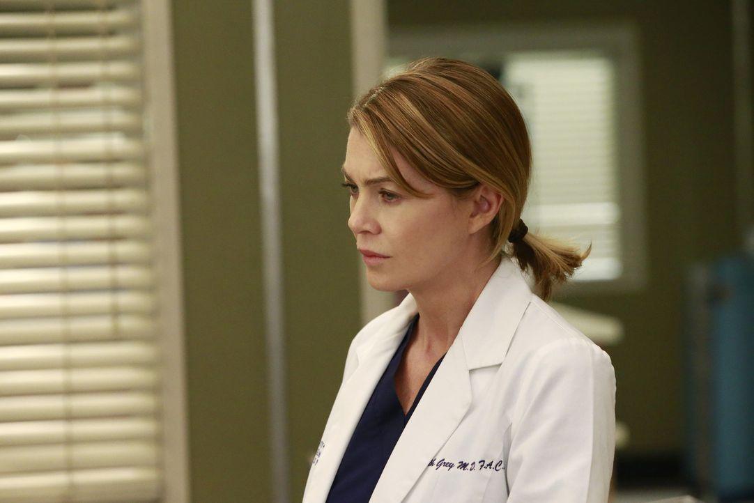 Eine von Merediths (Ellen Pompeo) ersten Patientinnen kommt mit einem Aneurysma ins Krankenhaus ... - Bildquelle: Mitchell Haaseth ABC Studios
