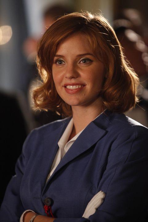 Ihr Auftrag in Berlin entwickelt sich für Kate (Kelli Garner) zu einer wahren Zerreißprobe ... - Bildquelle: 2011 Sony Pictures Television Inc.  All Rights Reserved.