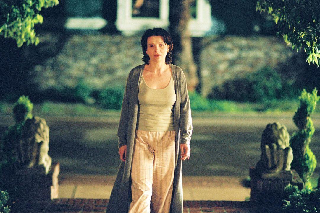 Miriam Naumann (Juliette Binoche) stürzt sich in eine eigenwillige Vergangenheitsbewältigung und sucht auf eigenwilligen Pfaden Vergebung ... - Bildquelle: Copyright   2005 Twentieth Century Fox