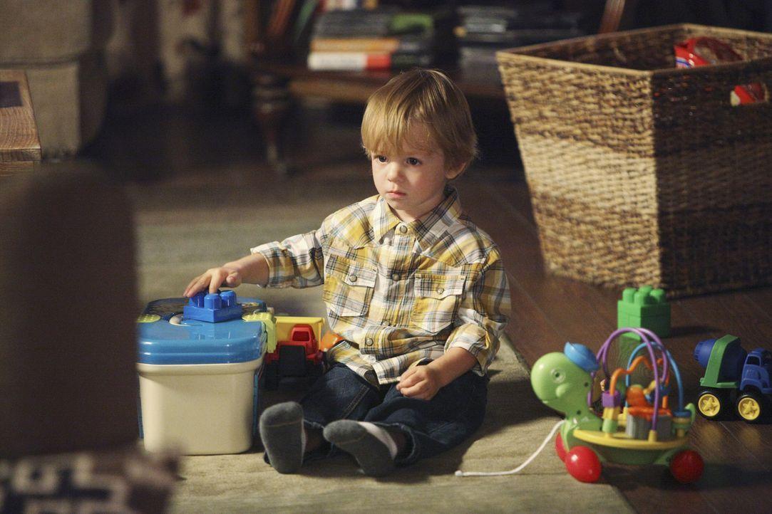 Muss Lucas (Darsteller unbekannt) mit ansehen, wie sein Vater stirbt? - Bildquelle: ABC Studios