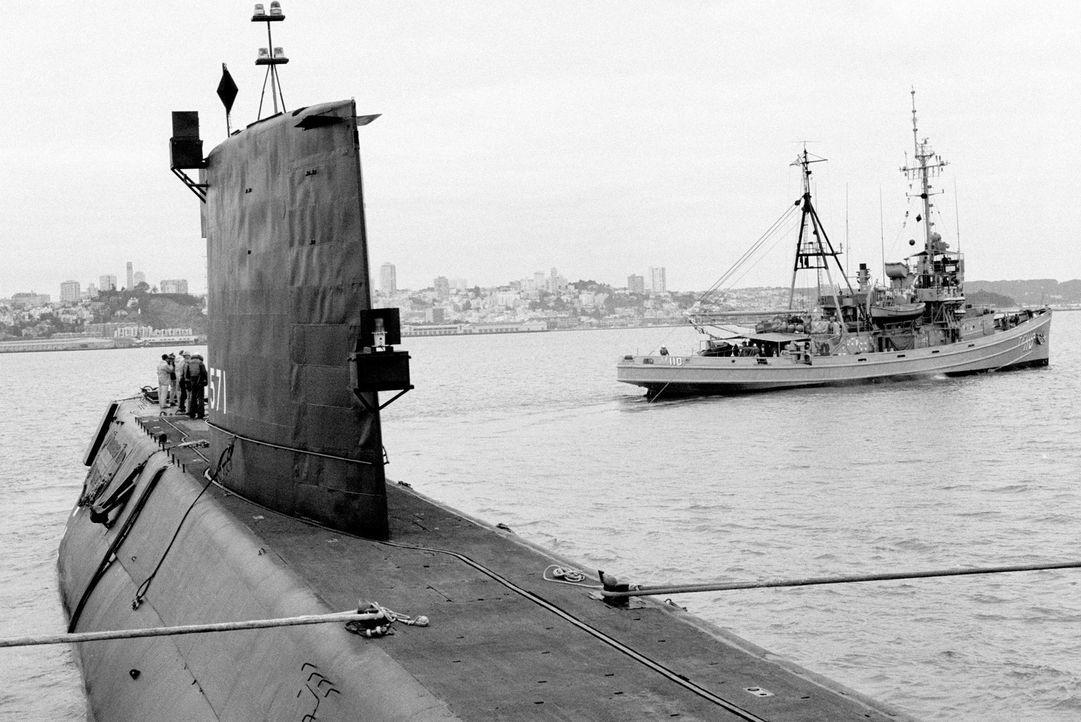 Im Frühjahr 1979 lief die Nautilus von Groton zu ihrer letzten Reise aus. Sie erreichte die Mare Island Naval Shipyard bei Vallejo am 26. Mai 1979.... - Bildquelle: Lou Reda Productions (USA)