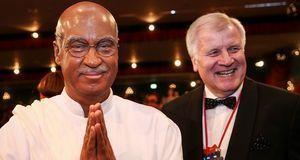 """Bayerns Finanzminister Markus Söder stand 2015 als fränkischer """"Mahatma..."""