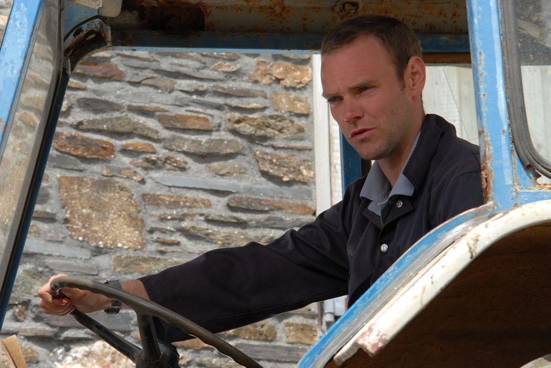Bert schuldet zwei Kredithaien 1000 Pfund und Al (Joe Absolom) hat 800 Pfund, um für Ruths Grundstück einen neuen Zaun zu kaufen - was soll er nun t... - Bildquelle: BUFFALO PICTURES/ITV