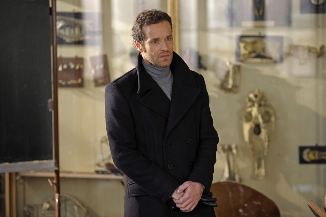 Ahnt Matthieu (Guillaume Cramoisan), dass Chloé etwas bedrückt? - Bildquelle: 2008 - Beaubourg Audiovisuel/BeFilms/RTBF (Télévision Belge)