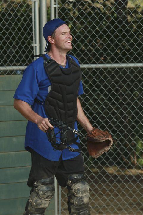 Steht dem Ärzte-Team bei: Henry (Scott Foley) ... - Bildquelle: ABC Studios