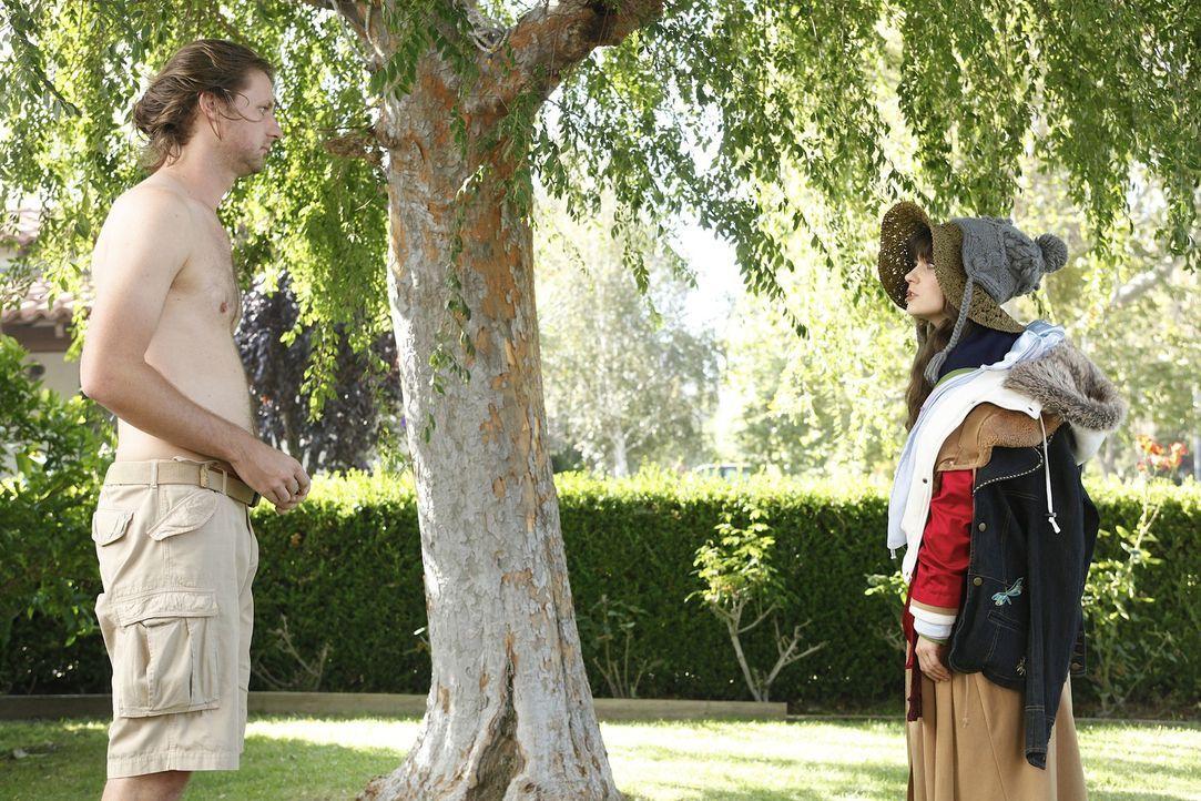 Endlich schafft es Jess (Zooey Deschanel, r.), sich an ihrem untreuen Ex-Freund Spencer (Ian Wolterstorff, l.) zu rächen ... - Bildquelle: 20th Century Fox