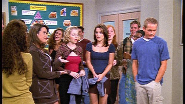 Valerie (Lindsay Sloane, M. r.) hat bei einem Treffen mit Justin gerülpst. Si...