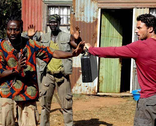 im-brautkleid-durch-afrika-07-500-404_David_Gur_-_Sat1 - Bildquelle: David Gur - Sat1