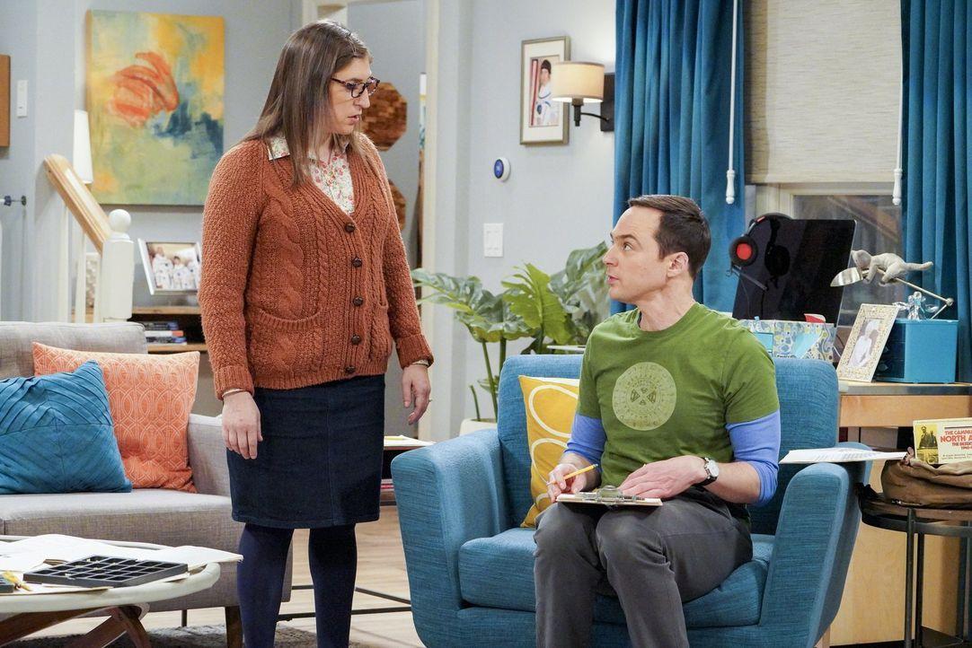 Sind Amy (Mayim Bialik, l.) und Sheldon (Jim Parsons, r.) für ihre Freunde Bernadette und Howard so kurz vor der Geburt deren Kindes wirklich eine H... - Bildquelle: Warner Bros. Television