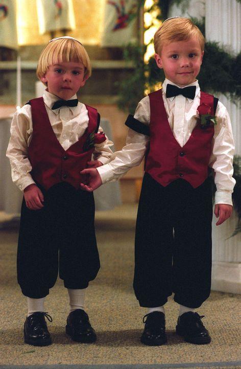 Haben eine ganz besondere Aufgabe: Sam und David Camden (Zachery und Lorenzo Brino) ... - Bildquelle: The WB Television Network