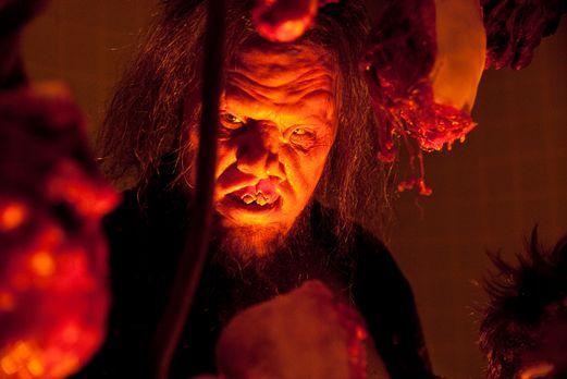 Wrong Turn 4: Bloody Beginnings - Endlich Frischfleisch: Der Kannibale Saw-To...