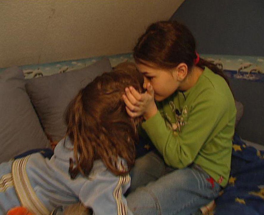 Die Geschwister Chantal und Michelle halten zusammen und sie haben keine Geheimnisse voreinander ... - Bildquelle: ProSieben