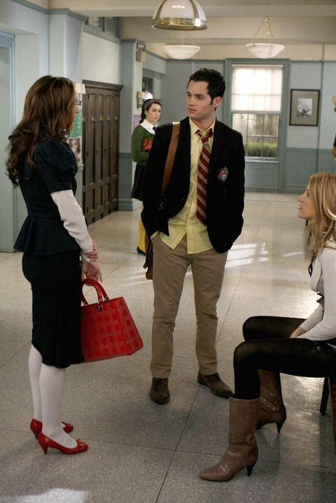 Schockiert muss Blair (Leighton Meester, l.) feststellen, dass Serena (Blake Lively, r.) wieder mit Dan (Penn Badgley, r.) liiert ist ... - Bildquelle: Warner Brothers